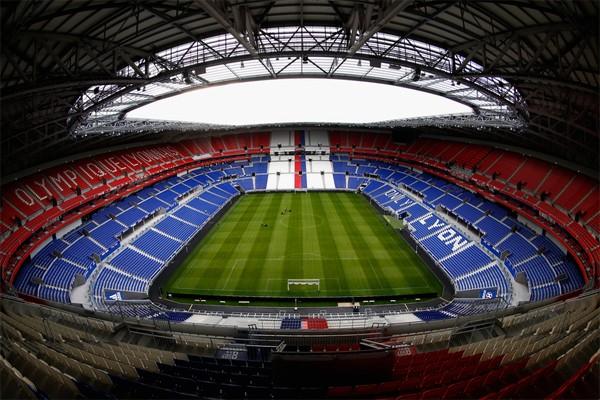 Стадион Олимпик Лионне во Франции