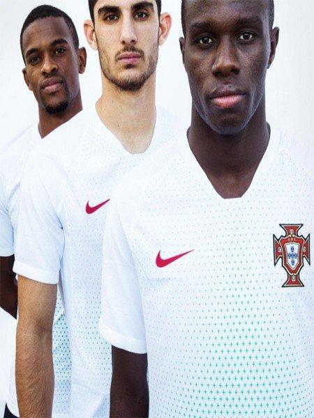 Португалия: белая форма