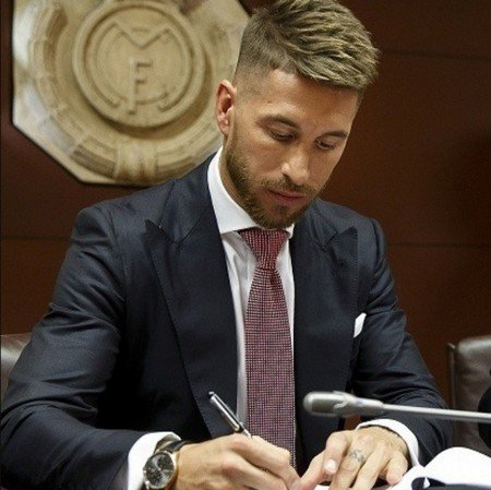 Бизнес причёска Рамоса футболиста