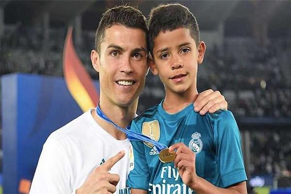 Роналду с сыном