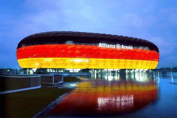 Светящаяся Альянц Арена