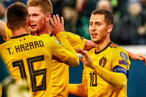 футболисты сборной Бельгии (братья Азары)